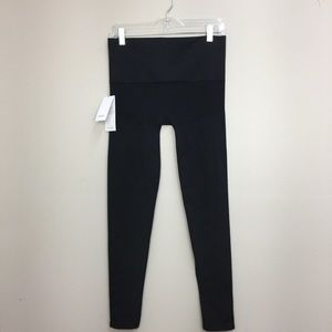 NWT Blanqi Black Sport Support Hipster Leggings